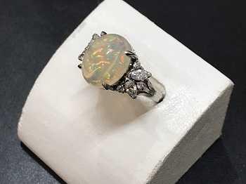 宝石買取 オパール