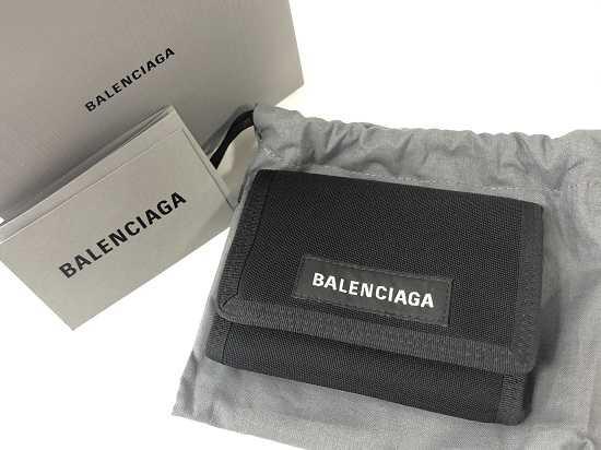 バレンシアガ買取 3つ折り財布