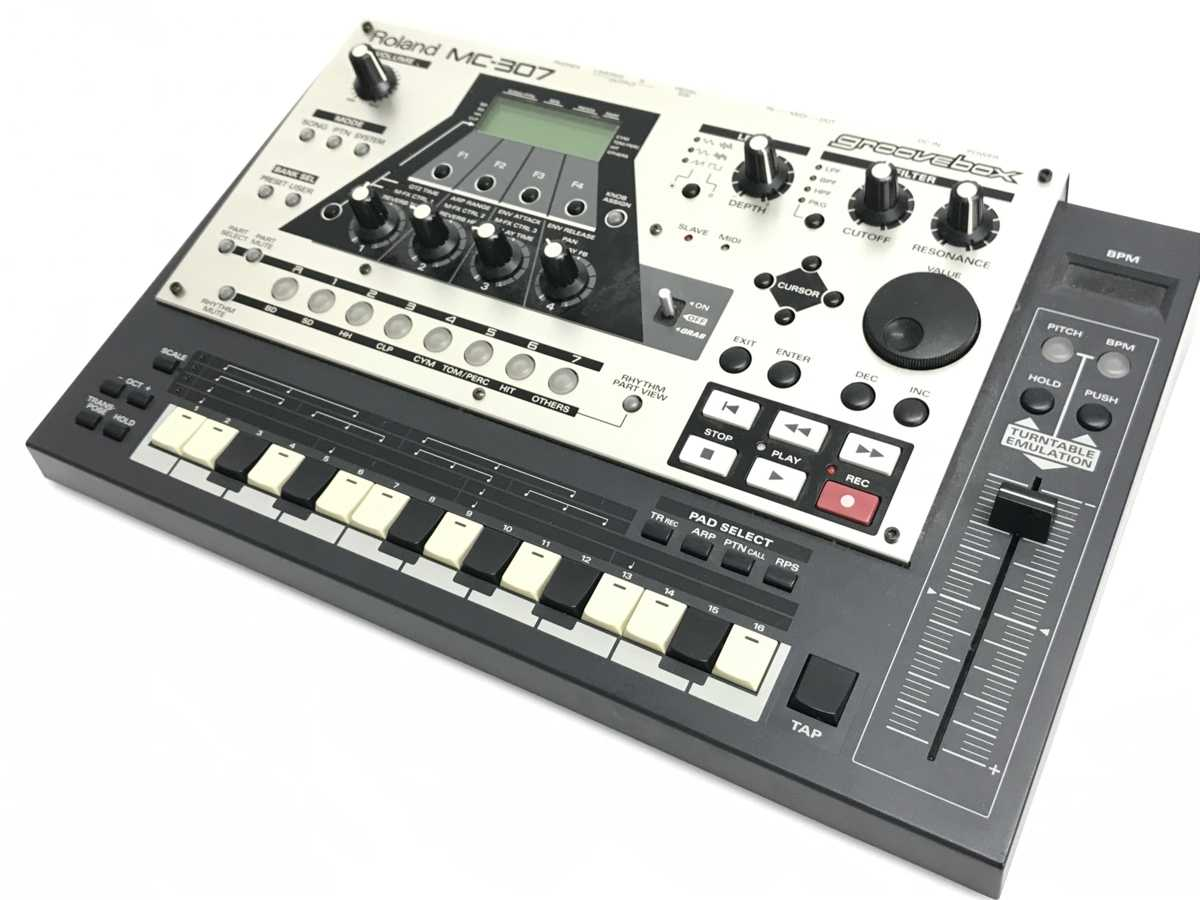 Roland MC-307 Groovebox 買取