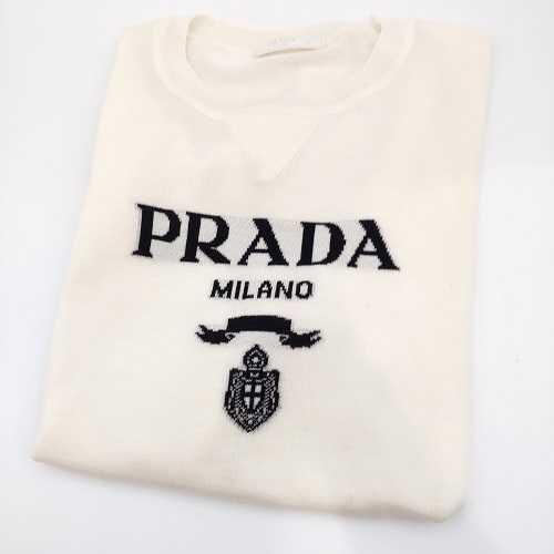 プラダ買取 洋服 長袖ニットセーター
