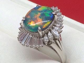 オパールリング Pt900 4.56ct ダイヤモンド 1.66ct