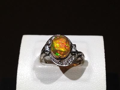 ファイアオパール 2.95ct メレダイヤモンド 0.38ct リング Pt900 プラチナ 宝石 色石 ジュエリー 高価買取 四条店
