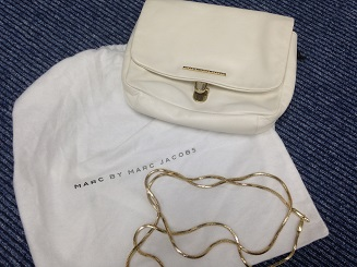 Marc by Marc Jacobs マークバイマークジェイコブス チェーンショルダーバッグ カーフ 白